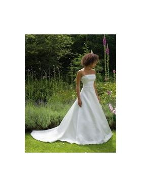 In Store Stock Level B Sincerity Bridal 3330 ivory size 20
