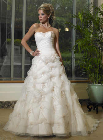 Maggie Sottero 160  size 12 Diamond Whi