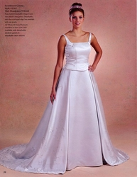 IN STOCK SWEETHEART GOWNS