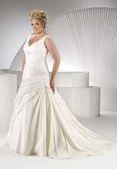 Sincerity Bridal 3352 size 8 ivory /taup In Store Stock Level B