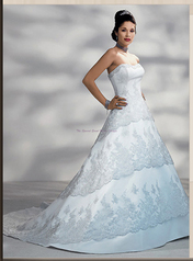 Maggie Sottero 453 size 10 Diamond Whit Maggie Sottero in store