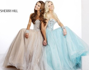 PRICE GUARANTEE! GIFT WITH PURCHASE! Sherri Hill Collection