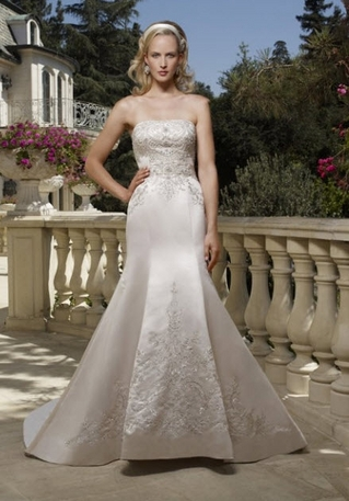 Casablanca. A $70 upcharge applies to sizes 18-22. A $100 upcharge applies to si