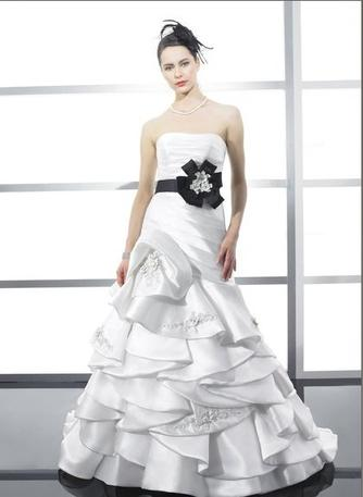 Moonlight Bridal Wedding Gown H1159